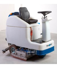 Аккумуляторная поломоечная машина с местом для оператора Fiorentini SMILE 75M